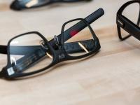 智能眼镜,看上去终于像是一款眼镜了